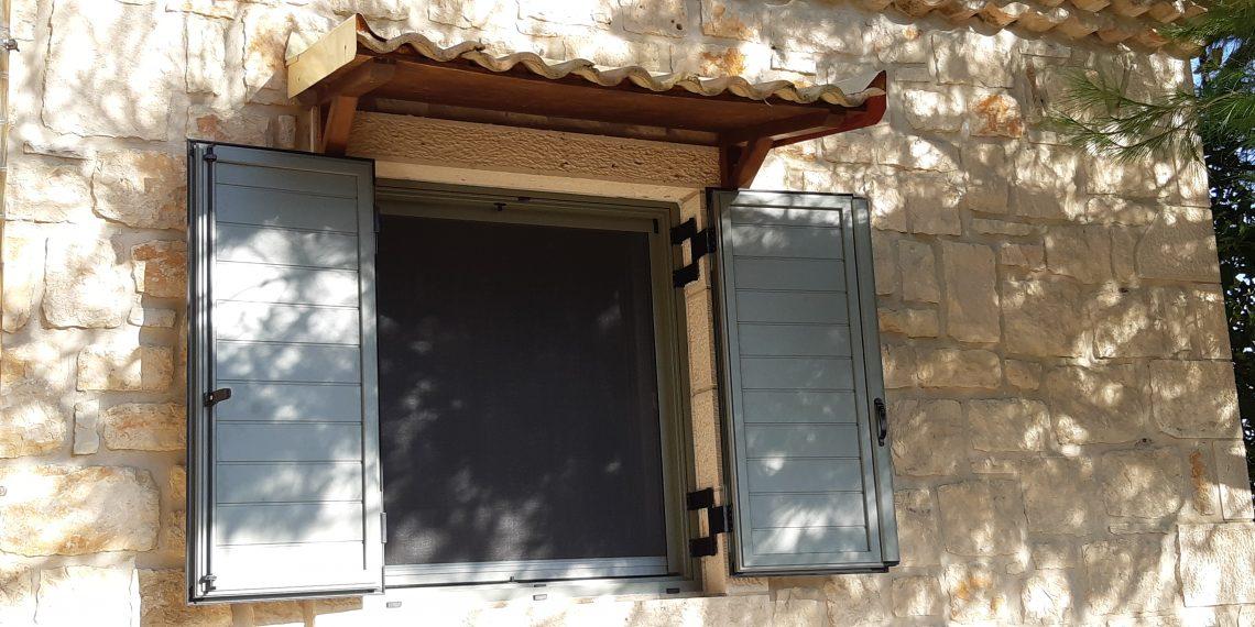 rapsomanikis glass - aluminum shutters