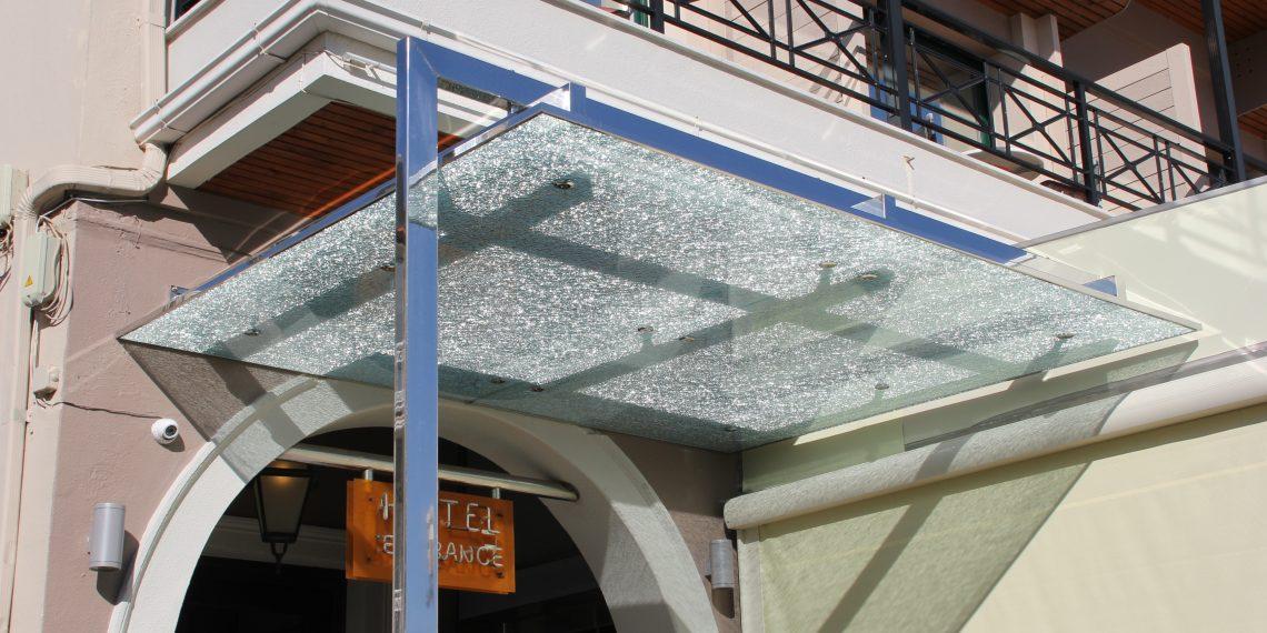 rapsomanikis glass - στεγαστρα