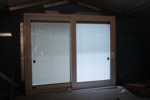 rapsomanikis glass - integraded blinds